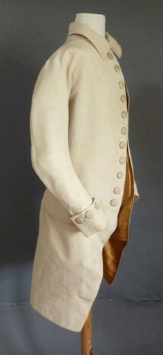 Worsted & Silk Frock Coat, 1775-85 A comfortable coat worn for work and informal occasions. Everyday men's wear is rare. The pointed back collar first appeared in men's dress in the late 1770s. Meg Andrews - Antique Costumes and Textiles