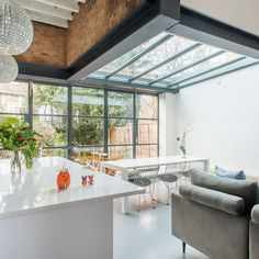 Holland and Green has been synonymous with some of the finest Kitchen Extensions in South West London and Oxford.