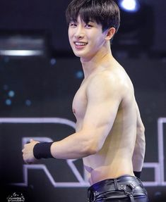 Discovered by Find images and videos about kpop, hoseok and monsta x on We Heart It - the app to get lost in what you love. Monsta X Wonho, Jooheon, K Pop, Pop Bands, Korean Men, Asian Men, Asian Guys, Foto Bts, Wonho Abs