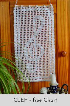 Free chart for in filet crochet stitch. Wall hanging, door sign, place mat, appliqué, you name it - the pattern is very versatile! Crochet Lace Edging, C2c Crochet, Crochet Borders, Crochet Squares, Thread Crochet, Crochet Stitches, Free Crochet, Crochet Patterns, Cross Stitches