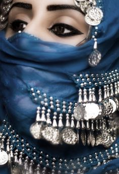 Arabic eyeliner,Stunning