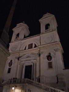 Iglesia de la Trinità dei Monti en la Plaza de España de Roma