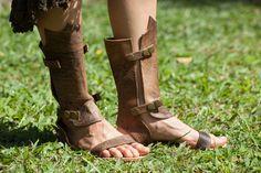 Модель: Гладиатор. Выглядит тяжело и брутально, как и должна выглядеть обувь гладиаторов! А на самом деле, благодаря натуральной коже, модель легкая и удобная!