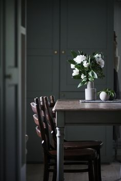Lovely flowers in the home of Anna Kubel