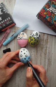 Dress up your Easter with our top idea for egg painting. Easy egg painting with Artistro paint pens. Use our black paint pens for drawing, fine line work & detailed DIY Diy Projects Easter, Easter Crafts, Diy Arts And Crafts, Crafts For Kids, Paint Pens For Rocks, Easter Egg Designs, Cute Paintings, Diy Ostern, Rock Painting Designs