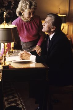 Anne Douglas, Paris Match, Photo D Art, Mars, Hollywood, Icons, Nice, Photo Online, American Actors