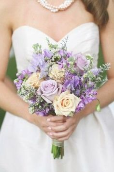 Lavender and ivory roses...Reminds me of mantecado and ube ice cream :)