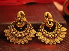 Bold Antique Earrings From Manubhai Jewellers ~ South India Jewels Gold Jhumka Earrings, Indian Jewelry Earrings, Jewelry Design Earrings, Gold Earrings Designs, Gold Jewellery Design, Antique Earrings, Bridal Jewelry, Antique Jewelry, Gold Jewelry