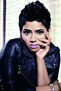 This pixie cut is so beautiful, it makes me hide my scissors from myself.