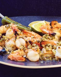 Succulent shrimp with butter and green peppercorns and a bit of spicy heat! Grilled Seafood, Seafood Appetizers, Seafood Dishes, Shellfish Recipes, Crab Recipes, Easy Recipes, Lobster Mac And Cheese, Mac Cheese, Green Peppercorn