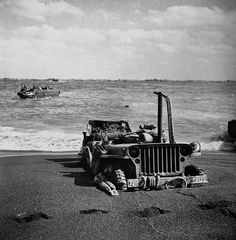 ❦ W. Eugene Smith: Iwo Jima, 1945