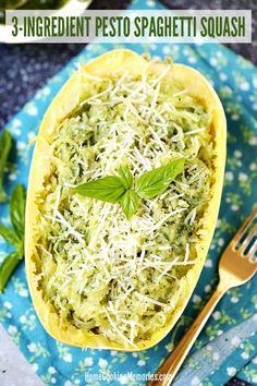 This Pesto Spaghetti Squash recipe is an easy dinner idea that needs only 3 ingredients: spaghetti squash, your favorite pesto sauce, and shredded parmesan cheese. Spaghetti squash is a favorite in our house - Easy Squash Recipes, Vegetable Recipes, Vegetarian Recipes, Healthy Recipes, Vegetarian Spaghetti Squash Recipes, Keto Recipes, Simple Recipes, Crockpot Recipes, Chicken Recipes