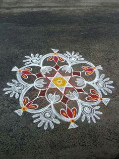 Rangoli Designs Flower, Small Rangoli Design, Rangoli Designs Images, Rangoli Ideas, Rangoli Designs With Dots, Rangoli Designs Diwali, Beautiful Rangoli Designs, Acrylic Rangoli, Rangoli Colours