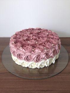 New cake designs birthday simple ideas Easy Cake Decorating, Birthday Cake Decorating, Cake Decorating Techniques, Decorating Ideas, Birthday Decorations, Vanilla Layer Cake Recipe, Easy Vanilla Frosting, Homemade Frosting, Vanilla Cake