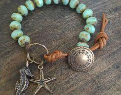 Sirena de mar turquesa pulsera anudada playa por TwoSilverSisters