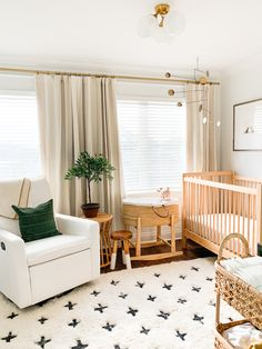 Unsere neue Wohnung Baby Brother's Woodland Nursery Tour - Elizabeth Street Post Taking Care Your Ho Baby Nursery Decor, Baby Bedroom, Baby Boy Rooms, Baby Boy Nurseries, Nursery Themes, Baby Decor, Nursery Room, Woodland Nursery, Modern Nurseries