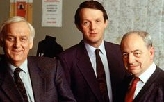 John Thaw, Kevin Whately, and Colin Dexter, stars and author of the Inspector Morse series. Kevin Whately, Tom Conway, Inspector Lewis, Masterpiece Mystery, The Sweeney, True Crime Books, Truth And Justice, Bbc Tv, Marilyn Monroe Photos