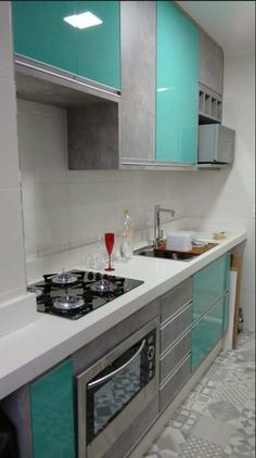 Simplesmente amei a combinação de cores Moduler Kitchen, Kitchen Modular, Kitchen Room Design, Modern Kitchen Cabinets, Kitchen Sets, Modern Kitchen Design, Kitchen Furniture, Kitchen Interior, Kitchen Decor
