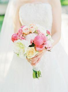 Wunderschöne, pastellfarbene Schloss Pichlarn Hochzeit von peaches