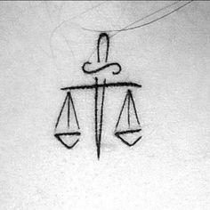 """My second (and, until nos, last) tattoo, made in 2016. """"A Justiça tem numa das mãos a balança em que pesa o direito, e na outra a espada de que se serve para o defender. A espada sem a balança é a força brutal, e a balança sem a espada é a impotência do direito"""" (Ihering)  #tattoo #secondtattoo #lawtattoo #justice #recht #jura #law #justiça #lawyer #adv #vidadeadv #oab #oabrs #ihering #jurídicos #tatuagemjurídica #advogados #arte #art #balança #espada"""