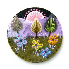 Found these exquisite felt brooches by British designer Jane Smallcombe . Jane loves all crafts and has been able to knit and crochet since. Easy Yarn Crafts, Felt Crafts, Tape Crafts, Felt Embroidery, Felt Applique, Machine Applique, Machine Embroidery, Fuzzy Felt, Wool Felt