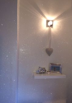 23 Glorious Sparkle Wall Ideas Glitter accent wall Loose