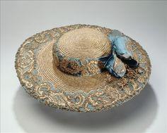 Walking hat (image 2) | France | 1770 | silk, straw, lace | Palais Galliera, musée de la Mode de la Ville de Paris | Museum #: GAL1994.234.3