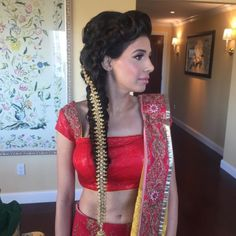 20 Best Side Swept Hairstyles For Indian Women You Can't Resist Side Swept Hairstyles, Indian Hairstyles, Trends, Your Hair, Sari, Elegant, Stylish, Hair Styles, Beauty