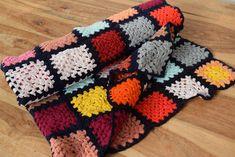 Baby Blanket Crochet, Crochet Baby, Striped Upholstery Fabric, Bouquet Home Decor, Linen Sheets, Needlepoint Patterns, Handmade Home Decor, Hand Crochet, Hand Weaving