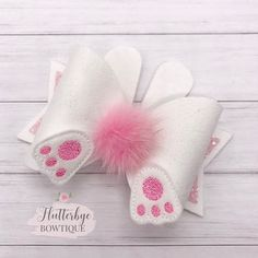 hair bows Bunny Tail hair bow made with pink glitter and can be made on a headband Handmade Hair Bows, Diy Hair Bows, Diy Bow, Baby Bows, Baby Headbands, Flower Headbands, Easter Bunny Ears, Bow Template, Making Hair Bows