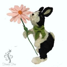"""Sisal+Bunny+Holding+a+Daisy+Size:+16""""+ht+x+7""""+Color:+Black+White+(creamy+white)+Material:+Sisal++++"""