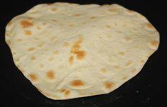 Tacoen når virkelig nye høyder med hjemmelaget tortilla lefser til. Ikke bare smaker de mye bedre enn de ferdigkjøpte, men den myke konsistensen sammen med fyllet er bare helt fantastisk godt. Så b… Food Blogs, Wrap, Scones, Tacos, Food And Drink, Vegan, Hot, Ethnic Recipes, Tortillas