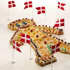 Traditional Danish birthday cake - a pastry shaped like a person Danish Cake, Danish Cookies, Danish Food, Denmark Food, Girls 3rd Birthday, Scandinavian Food, Great British Bake Off, Cake Servings, Eat Smart