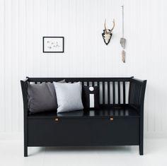 Styling for Oliver Furniture_bench storage black / Nordisk Rum by Pernille Grønkjær Taatø / www.blog.nordiskrum.dk