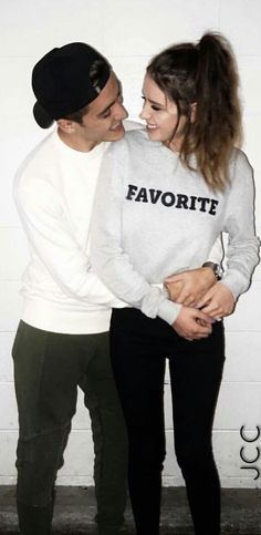 Cute Relationship Pics, Cute Relationships, Family Goals, Couple Goals, Jess And Gabe, Couple Posing, Couple Photos, Gabriel Conte, Cute Youtubers