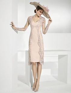 b533796bf Vestidos de fiesta corto color cava y abrigo de encaje transparente.  Vestidos De Gala