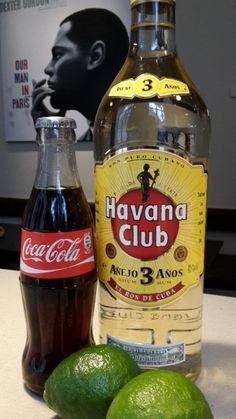 Je moet ook eens onze heerlijk, verfrissende #Cuba_Libre #cocktail van de maand komen proeven.  Afspraak in jazz bar The Duke, de bar van Hotel Navarra. ----------------------------------- De Cuba Libre is één van de populairste cocktails ter wereld die ter ere van de Amerikaanse bevrijding van Cuba werd geschonken. De Amerikanen verlosten het eiland immers van de Spaanse overheersing. Een Cuba Libre bestaat uit rum, cola en limoen…