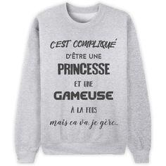 """Edition limitée exclusivement sur Keewi- Livraison en France Métropolitaine à 3,95€ (T-Shirt) et à 5,95€ (Sweats)- Paiement garanti SECURISE via Visa/Mastercard- Imprimé en France*** Comment passer commande ***1. Cliquez sur le menu déroulant et sélectionnez votre modèle2. Cliquez sur """"Acheter maintenant""""3. Sélectionnez le modèle, l..."""