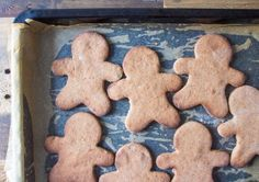 Gingerbread Men .....must must try this ...just without icing !