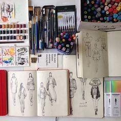 Fashion Design Sketchbook Illustrations Sketch Books For 2019 Fashion Design Sketchbook, Fashion Design Portfolio, Fashion Design Drawings, Art Sketchbook, Drawing Fashion, Textiles Sketchbook, Illustration Mode, Fashion Illustration Sketches, Fashion Sketches