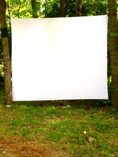 DIY Outdoor Movie Screen | ModFruGal