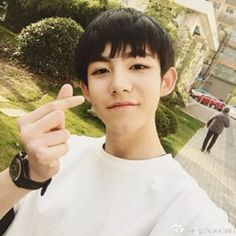 Resultado de imagen para ma hao dong biografia Ma Hao Dong, Ulzzang Boy, Taehyung, Anna, Biography, Asian Guys, Girls, Korean