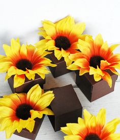Golden Sunflower Party Favor Gift Boxes