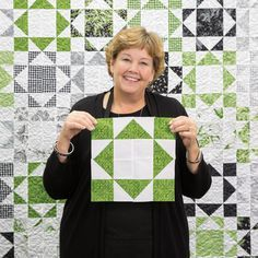Jenny takes half square triangles and cuts them in half in her Half and Half Quilt tutorial! This quilt is wonderful for the home and easy to DIY! Layer Cake Quilt Patterns, Layer Cake Quilts, Star Quilt Patterns, Star Quilts, Easy Quilts, Layer Cakes, Canvas Patterns, Quilt Blocks, Missouri Star Quilt Pattern