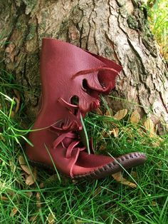 Redwood Elf Wrap Moccasin Hand Stitched Thick by TreadLightGear, $250.00 i could definitely use some of these...wonder if i could make some...