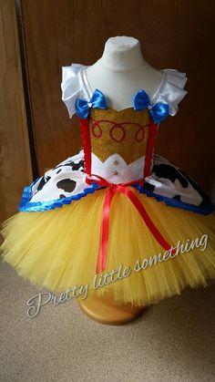 Vaquero de Toy Story Jessie inspirado por LittleSomethingTutus Cumpleaños  De Toy Story 93c4e49693a