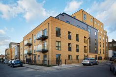 Blairderry Road, London   UK by MIB ALUCOBOND® naturAL Zinc