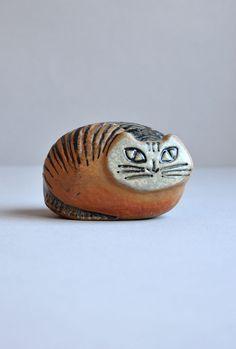 Cat figurine by Swedish ceramic designer and artist Lisa Larson