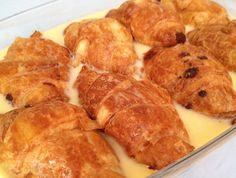 Pudding fácil de croissants de chocolate
