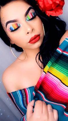 Makeup Gothic, Glam Makeup, Beauty Makeup, Eye Makeup, Hair Beauty, Gold Makeup Looks, Makeup For Green Eyes, Mexican Makeup, Makeup Guide